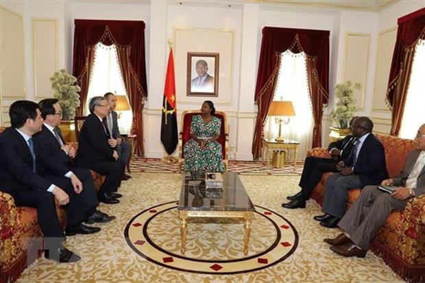 Senior Party official visits Angola hinh anh 1
