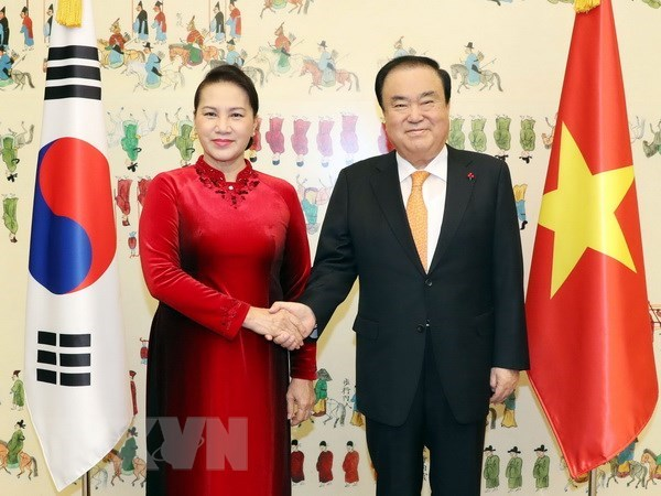 Parliament leader wraps up official visit to RoK hinh anh 1