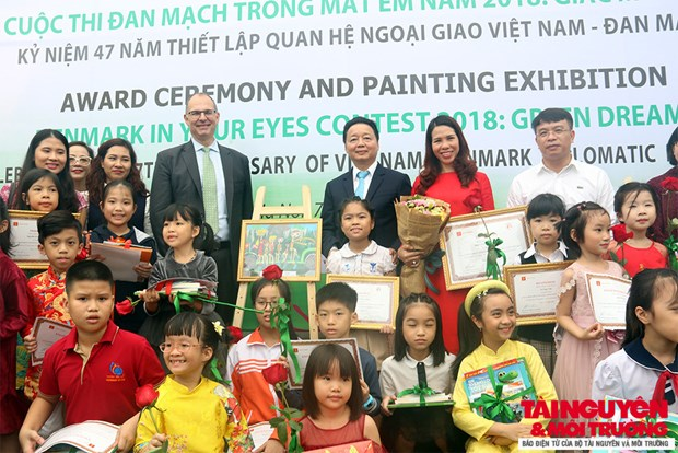 """Denmark in Your Eyes"" painting contest winners announced hinh anh 1"
