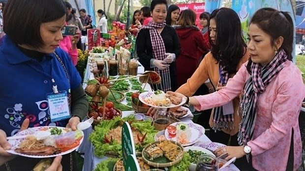Cuisine festival helps introduce Vietnam's images to int'l friends hinh anh 1