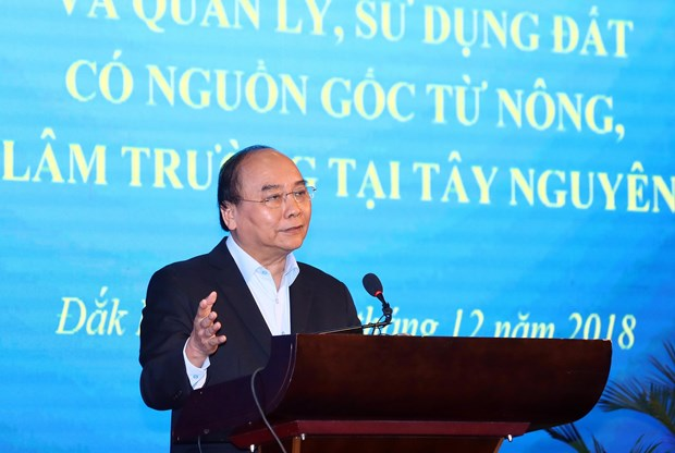 PM orders measures to put an end to free emigration by 2025 hinh anh 1