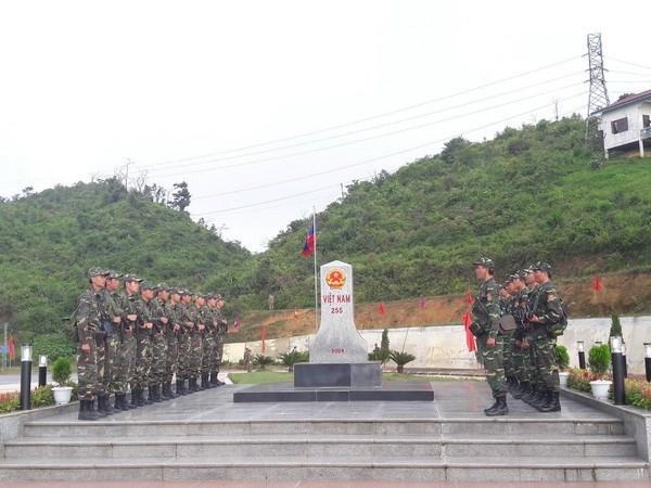 Vietnam, Laos hold annual border meeting hinh anh 1