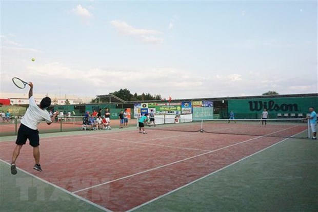 Tennis tourney connects Vietnamese community in Russia hinh anh 1