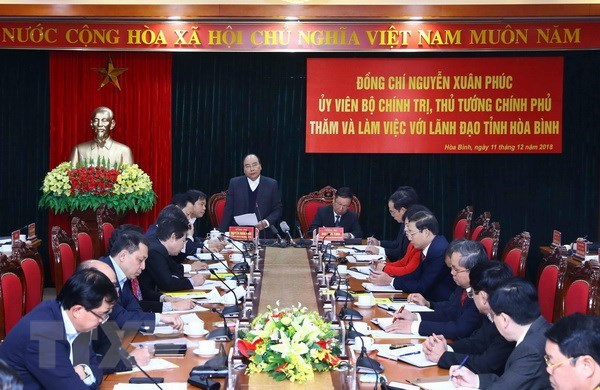 PM urges Hoa Binh to become tourism locality hinh anh 1