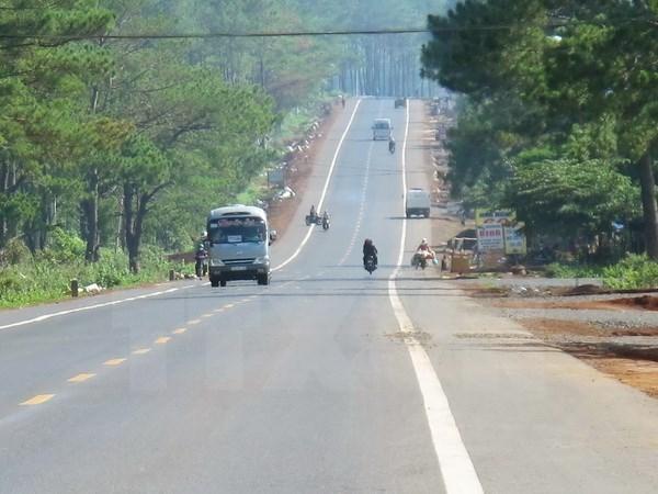 ADB helps to upgrade roads in Vietnam's northwest region hinh anh 1