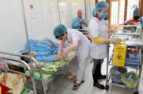 ADB-funded project to help Vietnam increase health professionals hinh anh 1