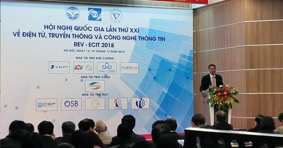 Electronics-communications-IT conference focuses on Industry 4.0 hinh anh 1