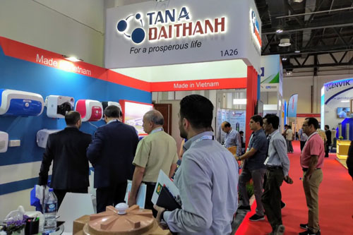 Vietnamese group participates in Middle East's largest construction expo hinh anh 1