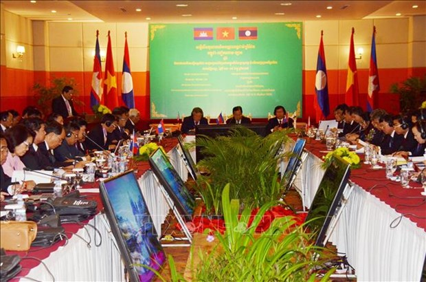 Supreme courts of Vietnam, Laos, Cambodia bolster cooperation hinh anh 1
