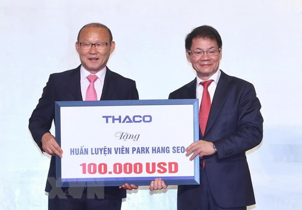 Korean coach to use rewarded money for charity activities hinh anh 1