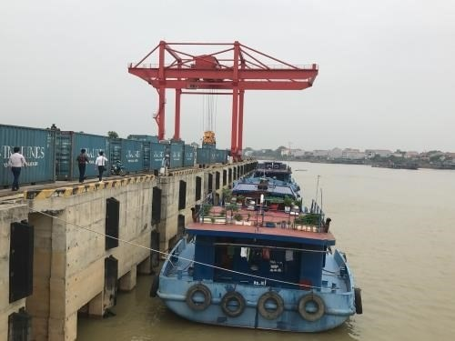 Vinalines' container shipping centre to debut hinh anh 1