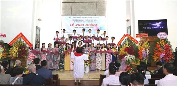 HCM City Christian bible school starts first training programme hinh anh 1