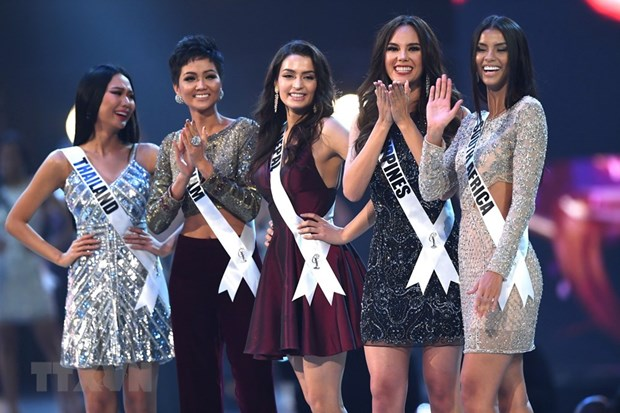 Vietnamese contestant in Miss Universe 2018 top five hinh anh 1