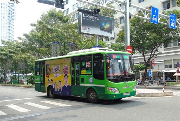 HCM City to auction bus advertising space again hinh anh 1