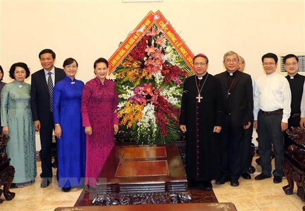 Top legislator extends Xmas greetings to Catholics in HCM City hinh anh 1