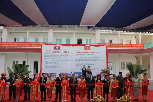 Vietnamese-funded projects contribute to Laos' socio-economic growth hinh anh 1