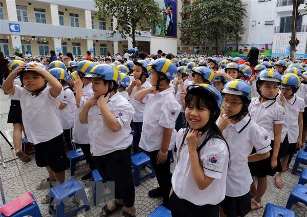 Programme launched to improve helmet safety amongst children hinh anh 1