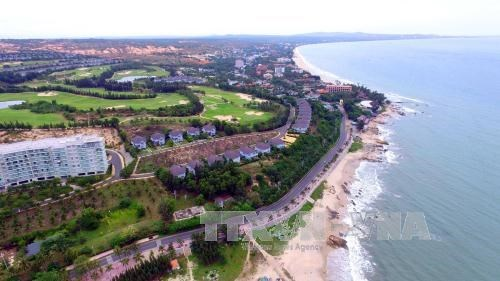Binh Thuan develops tourism into spearhead economic sector hinh anh 1