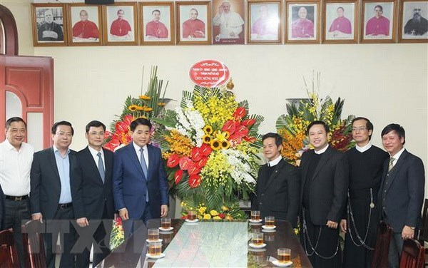 Hanoi leader extends Christmas greetings to local Catholics hinh anh 1