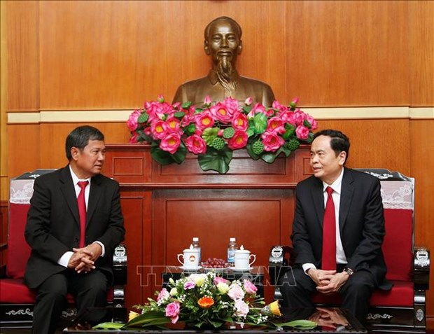 Vietnamese, Lao fronts bolster relations hinh anh 1