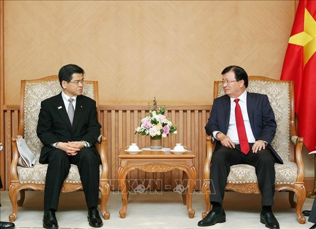 Deputy PM calls for Japanese investment in automobile, energy hinh anh 1