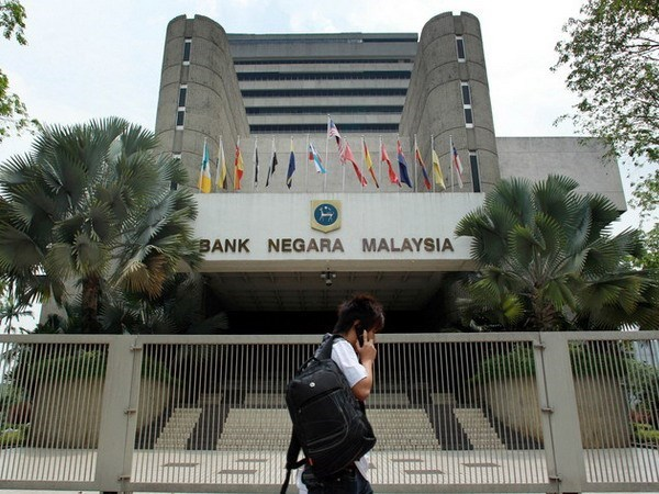 Malaysia's economy forecast to continue growth hinh anh 1