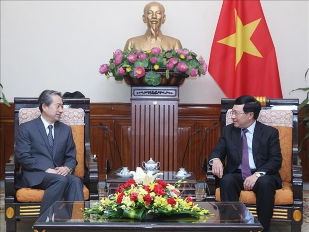 Deputy PM welcomes newly-appointed Chinese ambassador hinh anh 1