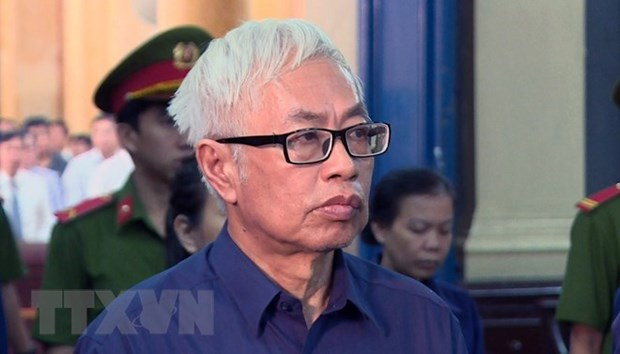 Former officials of Dong A Bank prosecuted again hinh anh 1