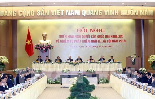 Draft resolution for achieving 2019 socio-economic goals announced hinh anh 1