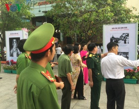 Photo exhibition marks 320-year growth of Sai Gon-Ho Chi Minh City hinh anh 1