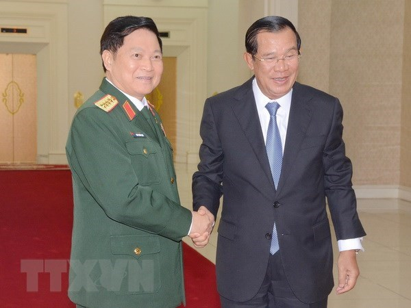 Defence cooperation – a pillar in Vietnam-Cambodia ties hinh anh 1