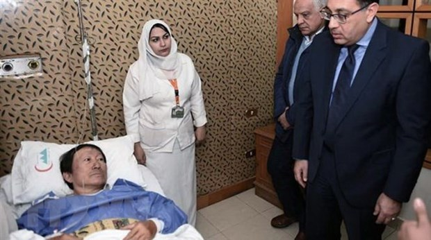 Egyptian PM visits injured Vietnamese tourists in roadside bomb hinh anh 1
