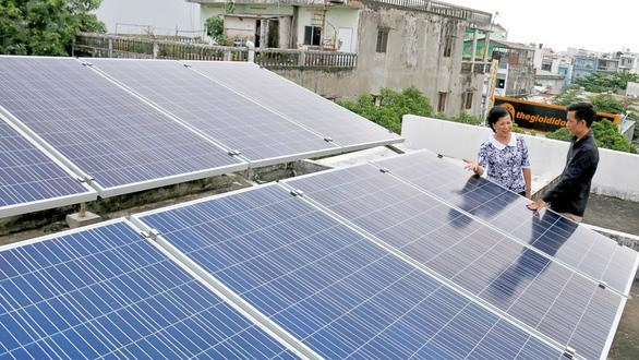 Home solar power systems shine in HCM City hinh anh 1