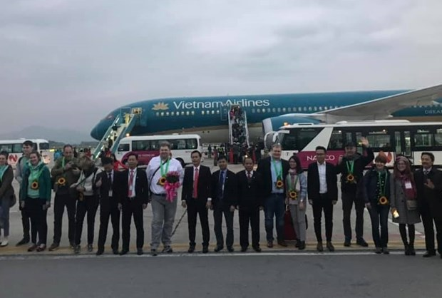 Vietnam Airlines serves first foreign customers in 2019 hinh anh 1