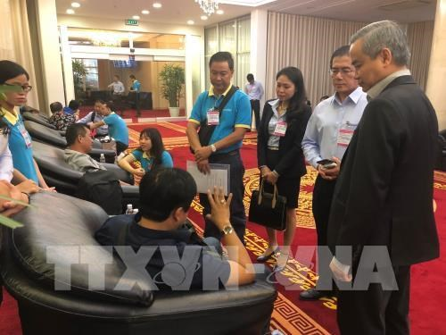 Nine Vietnamese victims of Egypt bomb attack arrive home hinh anh 1
