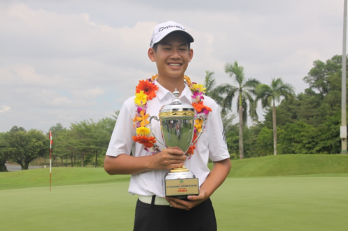 13-year-old boy listed in World Amateur Golf Ranking hinh anh 1