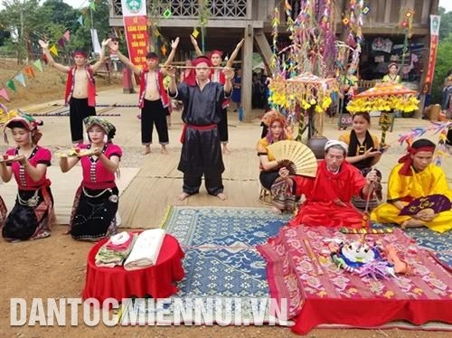 Ethnic culture and tourism village offers diverse activities in January hinh anh 1