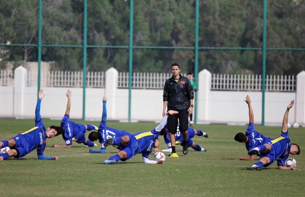 No rest for Vietnamese football stars hinh anh 1