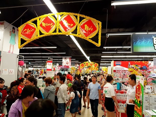 Supermarkets report sharp rise in sales during New Year hinh anh 1