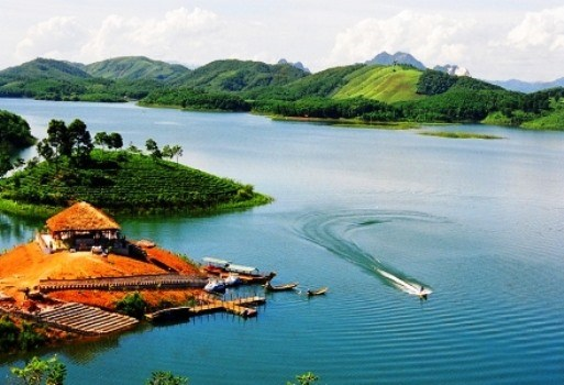 PM approves development plan for Thac Ba Lake tourist site hinh anh 1