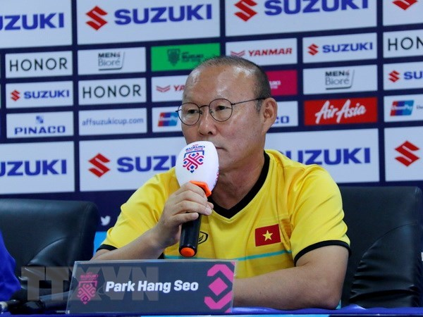 Vietnam aim to qualify for knockout stages at Asian Cup 2019: Park Hang-Seo hinh anh 1