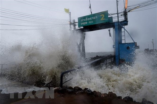 Storm Pabuk wreaks havoc in Thailand hinh anh 1