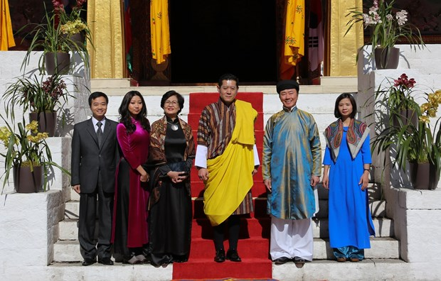 Vietnamese ambassador presents credentials to King of Bhutan hinh anh 1
