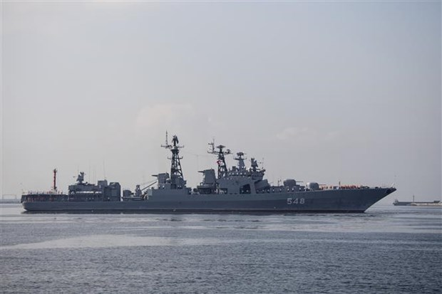 Russian warships begin visit to Philippines hinh anh 1