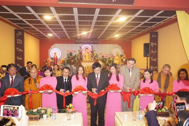 Vietnamese's first Buddhist cultural centre in Czech Republic opens hinh anh 1