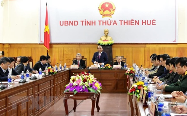 PM checks Tet preparations in Thua Thien-Hue province hinh anh 1