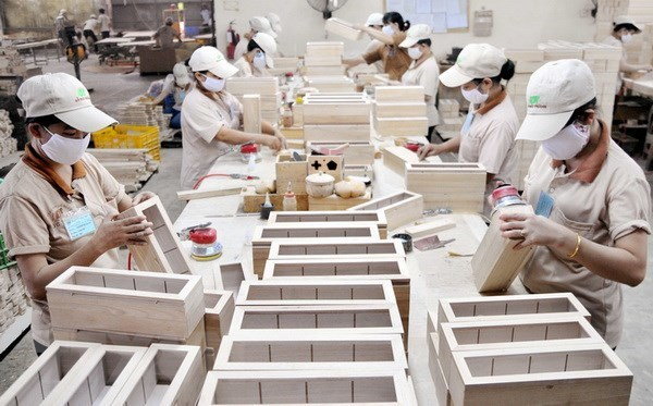 Wooden furniture exporters expect bright prospects in 2019 hinh anh 1