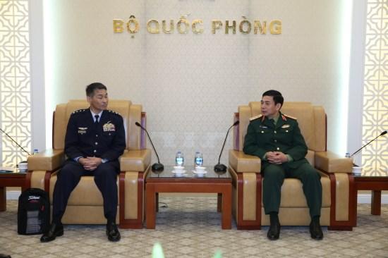 Vietnam, Japan enhance defence ties hinh anh 1