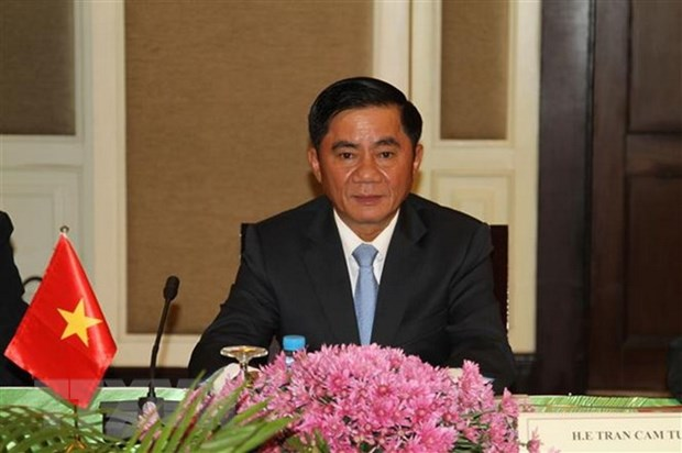 Party inspection commission delegation visits Cambodia hinh anh 1
