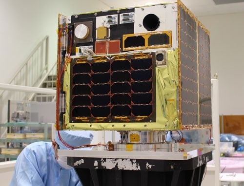 Made-in-Vietnam satellite to enter space next week hinh anh 1